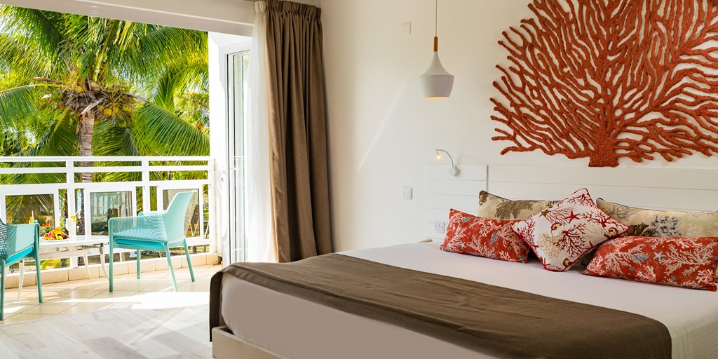 Coral Azur Beach Resort MUR 4,000
